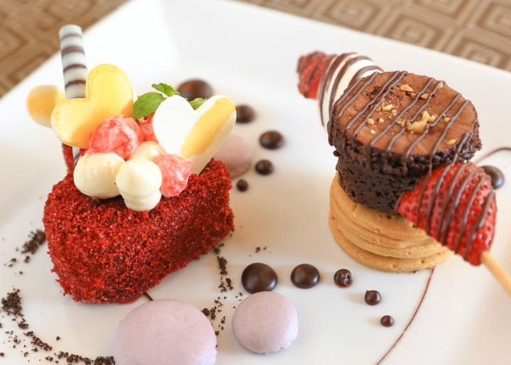 EC+B - Dessert_RedVelvetCake, StrawberryBrownieKebab