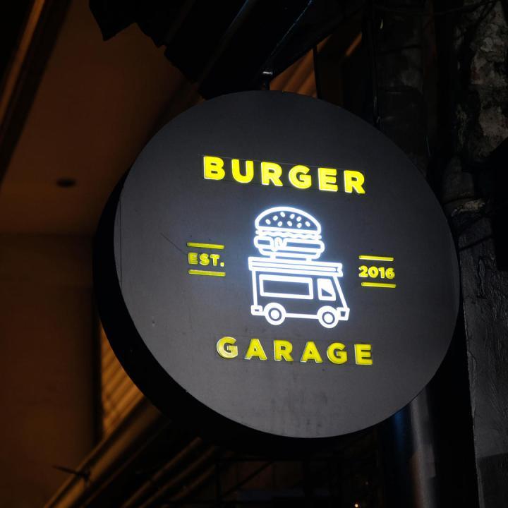 burger garage looloo