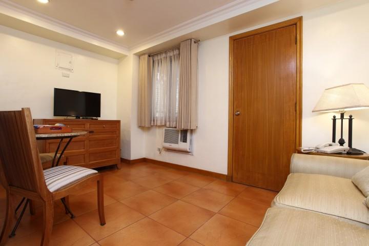 Bedroom Suites_Living Room Area