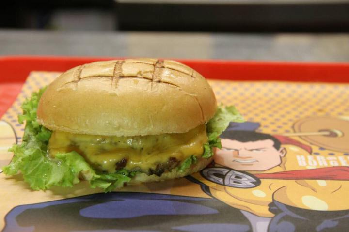 Heroes Burger, now available at ABS-CBN Studio XP located at the 4F of Ayala Mall TriNoma (1)